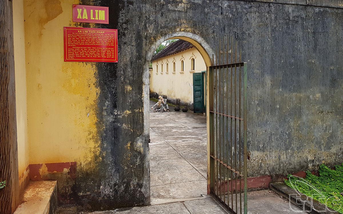 Khu vực xà lim giam giữ tù nhân chính trị