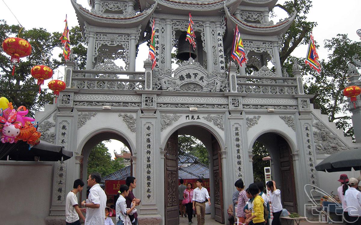 Đền Tiên La thuộc thôn Tiên La, xã Đoan Hùng, huyện Hưng Hà, tỉnh Thái Bình