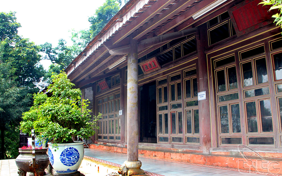 Đây là một di tích tôn giáo, danh thắng nổi tiếng thuộc quần thể di tích cố đô Huế, thuộc địa bàn làng Hải Cát, xã Hương Thọ, huyện Hương Trà.
