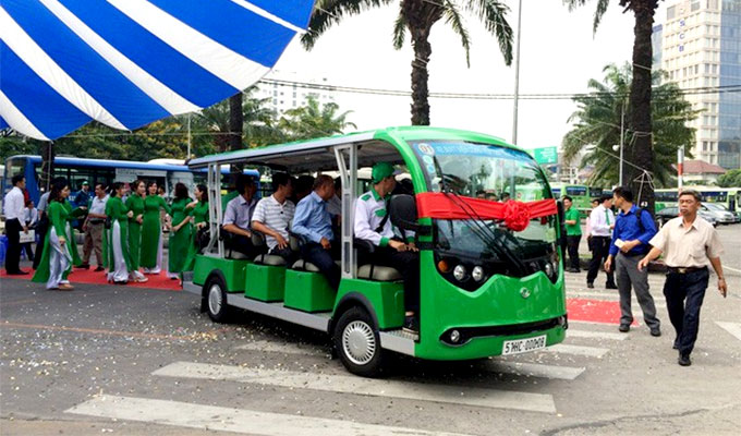 HCM city proposes three round-robin electric car routes