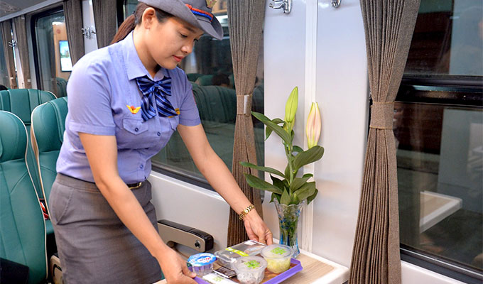 Viet Nam Railway to pilot free meal service