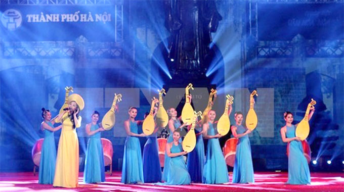 Cultural, art activities celebrate Ha Noi's Liberation Day