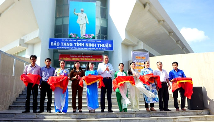 Exhibition to mark 43rd anniversary of Ninh Thuan liberation