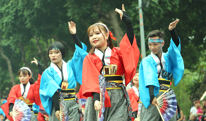 Japanese artists to perform Yosakoi dance at Ha Noi's walking area