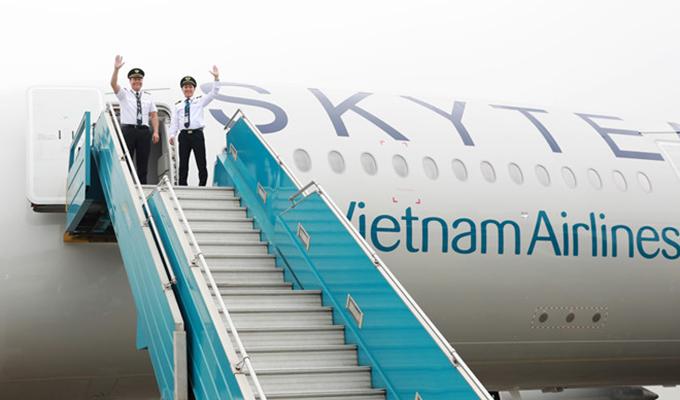 Airbus A350 sơn biểu tượng SkyTeam đầu tiên về đến sân bay Nội Bài