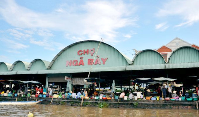 Company to invest 700 billion VND in Nga Bay floating market
