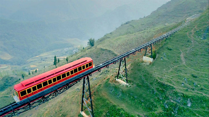 Exploring Muong Hoa valley by mountain train