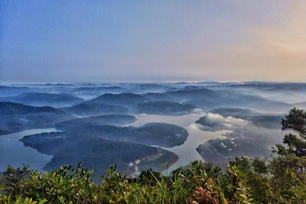 Chinh phục đỉnh Pinhatt - Ngắm trọn hồ Tuyền Lâm trong tầm mắt