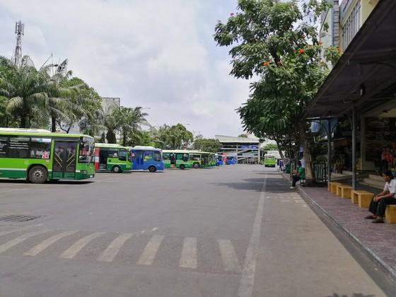 TP Hồ Chí Minh: Tạm ngưng hoạt động xe hợp đồng, xe du lịch trên 9 chỗ từ 30/3