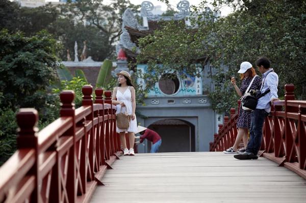 Reuters ca ngợi sự phục hồi của du lịch Việt Nam