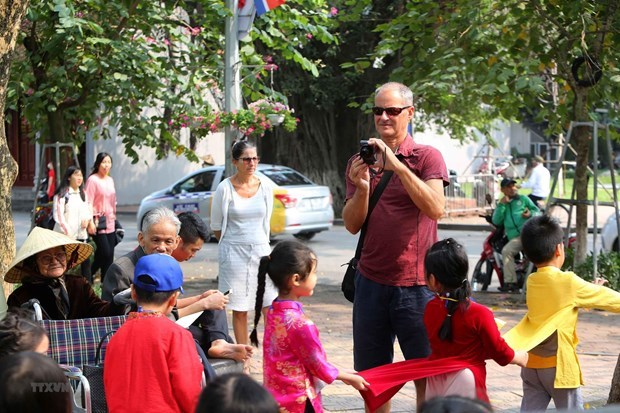 Hanoi falls behind many regional cities on foreign tourist attraction
