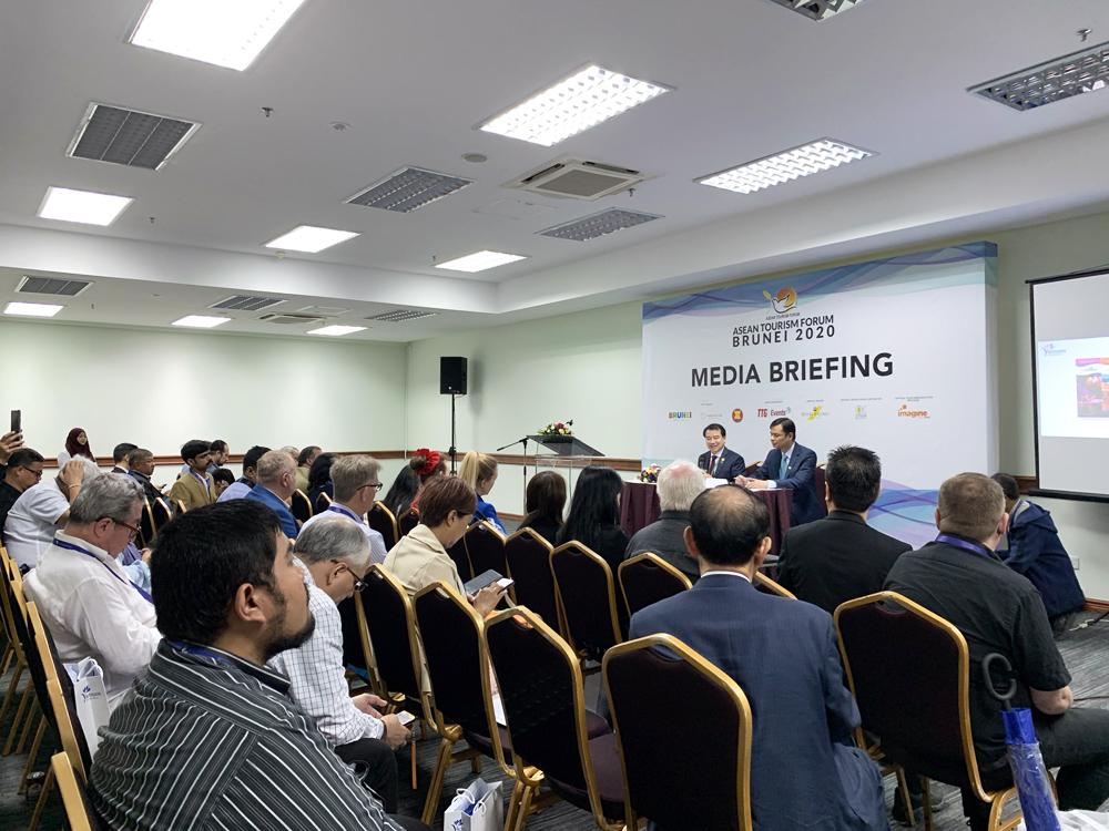 Truyền thông quốc tế tham dự họp báo Giới thiệu Du lịch Việt Nam