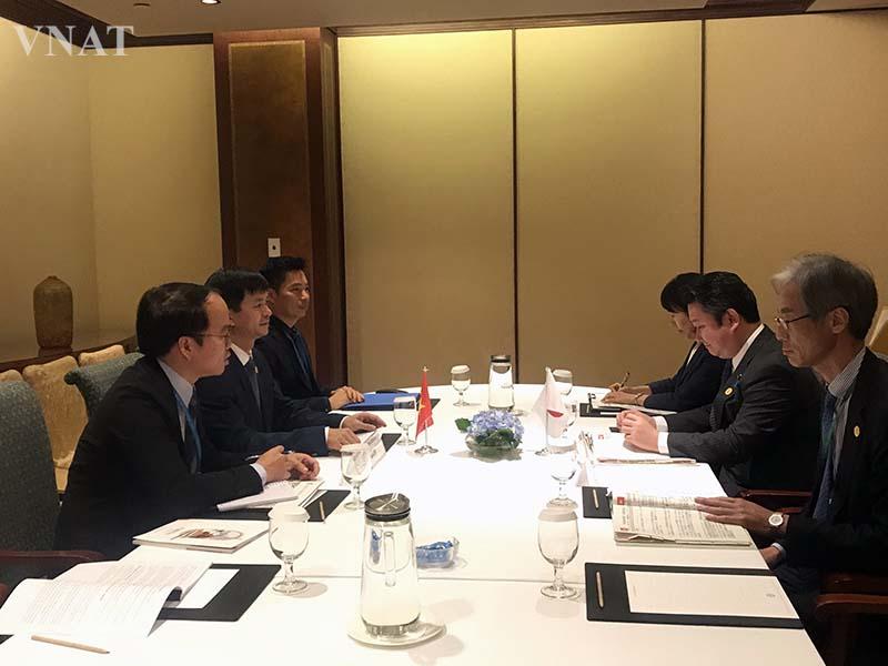 Thứ trưởng Lê Quang Tùng tiếp song phương Thứ trưởng Bộ Đất đai, Hạ tầng và Du lịch Nhật Bản
