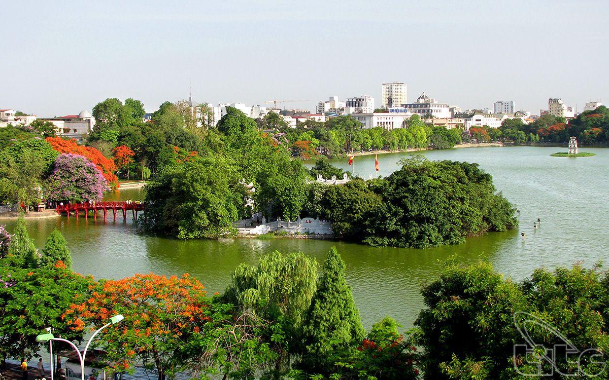 hoan-kiem-lake-ha-noi-vietnam